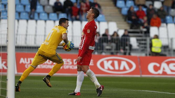Desesperación en un jugador del Almería