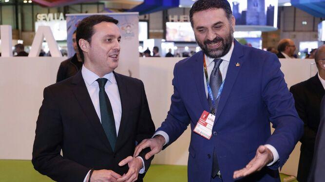 El vicepresidente de la Diputación, Javier A. García, con el consejero de Turismo, Francisco Javier Fernández.