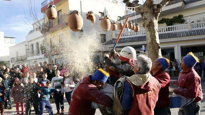 El juego de las Ollas despide las fiestas de San Sebastián y San Antón