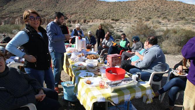Chorizo, tortilla, hornazos y mucha alegría para celebrar el Jueves Lardero