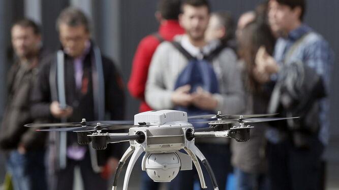 El 'carné de drones' se sacará en las autoescuelas de Almería