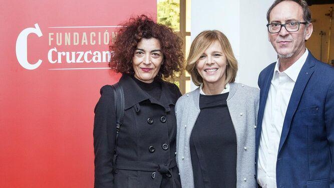 Representantes de MECA con María Ángeles Rodríguez.