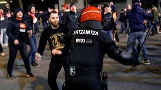 Las cargas policiales en la previa del Athletic de Bilbao-Spartak de Moscú