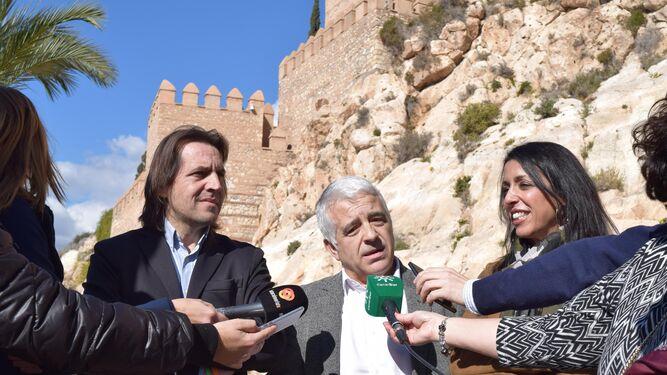 El Parlamento aprueba retomar el Plan Director de actuaciones en la Alcazaba