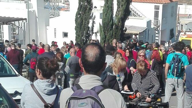 Voluntarios reunidos en Las Hortichuelas.