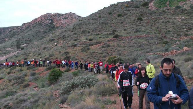 Son muchas las personas las que deciden participar en este trail.
