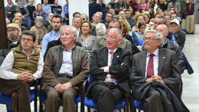 El subdelegado del Gobierno, Andrés García Lorca, o el diputado Juanjo Matarí respaldaron a Gabriel Amat en su proclamación como candidato.