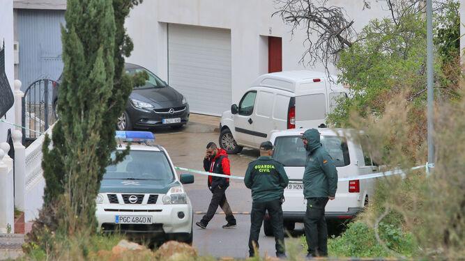 El Instituto Armado acordonó ayer la zona más próxima a la casa de la abuela de Gabriel.