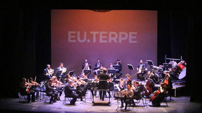 La Orquesta EU.Terpe estuvo magistral en su concierto en Almería.