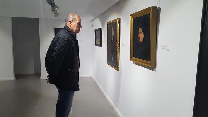 Las exposiciones recibieron sus primeros visitantes el viernes.