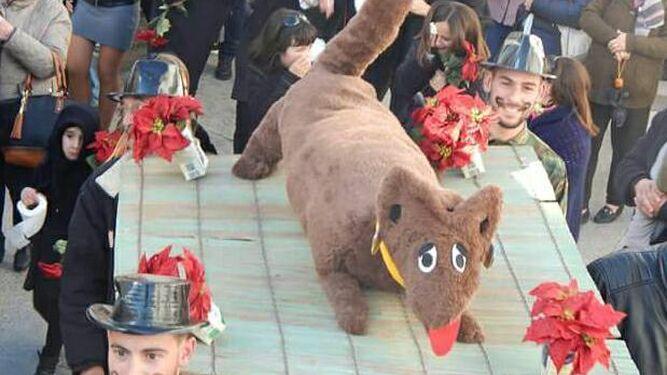 Por la tarde tuvo lugar la procesión de la zorra y su entierro.