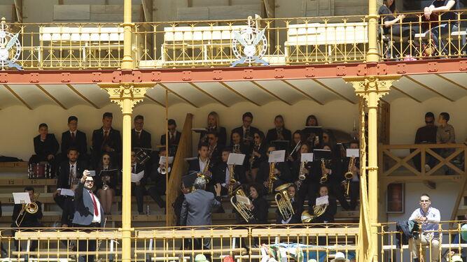 La Banda de Música cumplió a la perfección con su papel de ambientación.