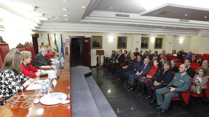 El Colegio de Abogados de Almería acogió ayer la jornada informativa sobre la nueva Oficina Judicial de El Ejido.