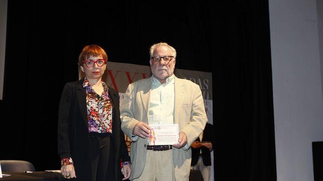 Luciano García durante el homenaje que le hicieron en la inauguración de las jornadas.