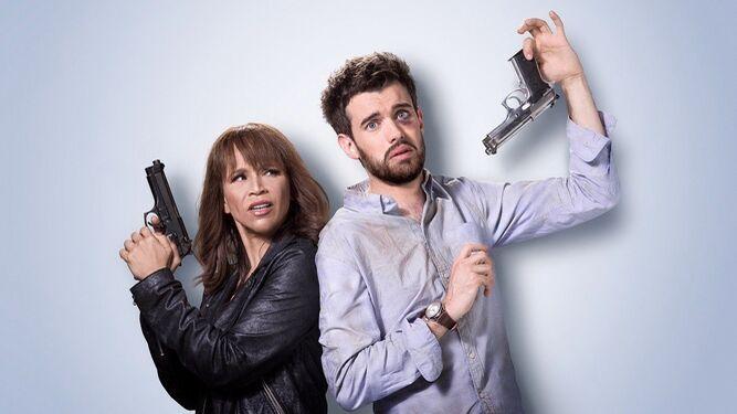 Rosie Pérez yJack Whitehall son los dos protagonistas de esta serie que mezcla acción y comedia.