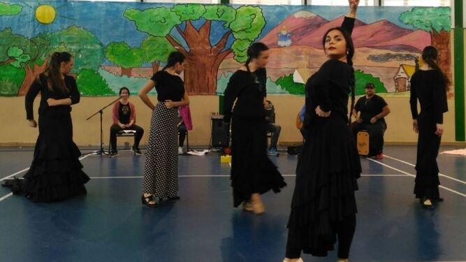 Espectáculo 'A Lola' que se estrena esta noche en el Auditorio Maestro Padilla.