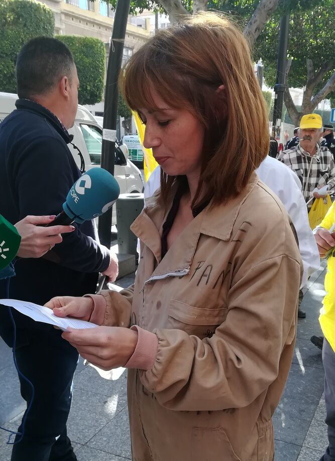Paulina Rivas, apicultora granadina.