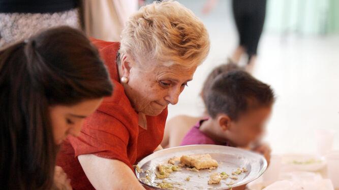 Educación amplia la gestión de los comedores a empresas locales