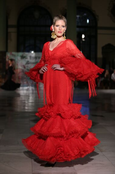 <p>Con plumetti. Diseño de Rocío Márquez en Viva by We Love Flamenco 2019.</p>
