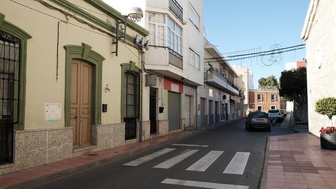 Tramo de la calle Real entre la iglesia de Santa María y la plaza de la Constitución