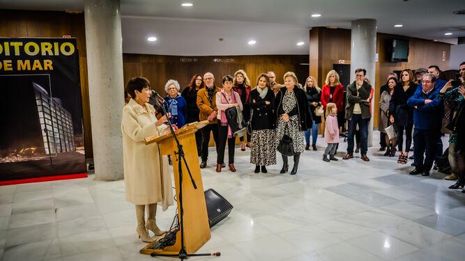Carmen Pinteño durante la inauguración de  'Indalecio, una historia del siglo XX' en el Teatro Auditorio.