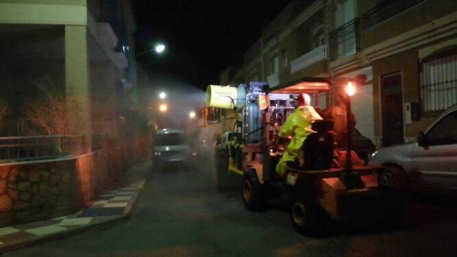 Nueva fumigación en las calles abderitanas.
