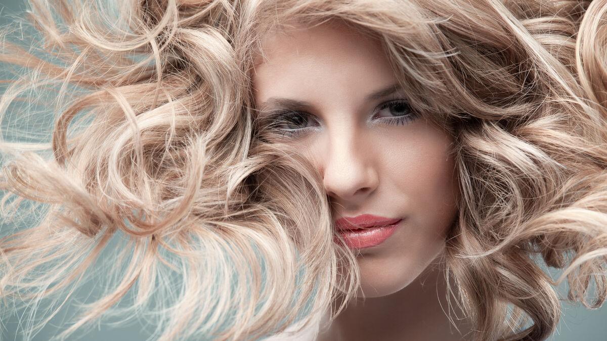 Cómo exfoliar el pelo en verano:...