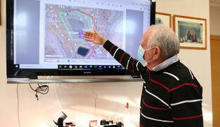 El presidente de la CUCN muestra la que sería la balsa 8, en proyecto, para conseguir acopiar 1 hectómetro cúbico extra.