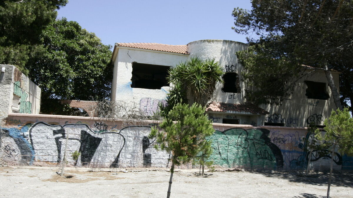 El actual cortijo del parque del Andarax, con deficiencias estructurales de consideración, será derribado