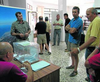 Romero niega irregularidades y sale   39 victorioso  39  de las elecciones b8d7898636f