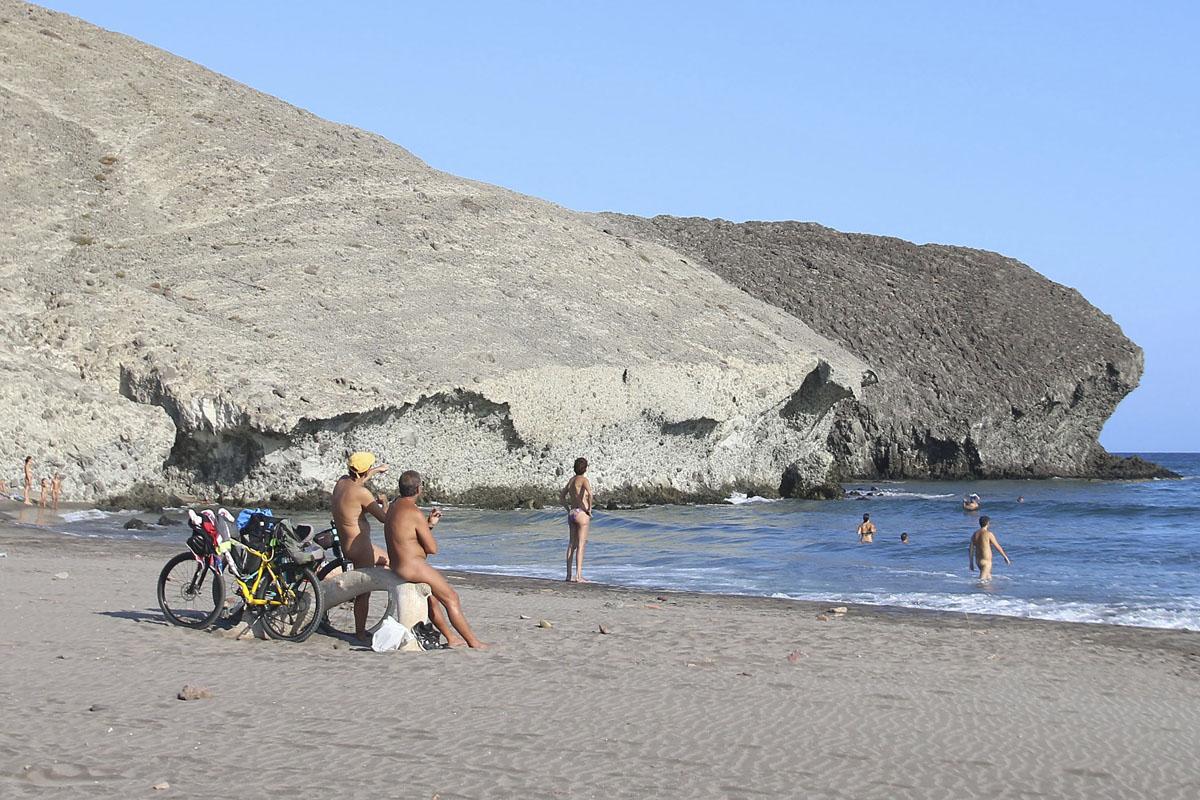 Las Playas Nudistas De Almería Más Buscadas